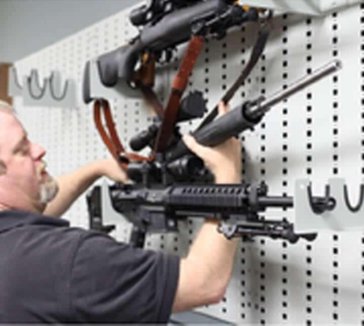 Military Weapon Storage: Avoid Horizontal Mounts